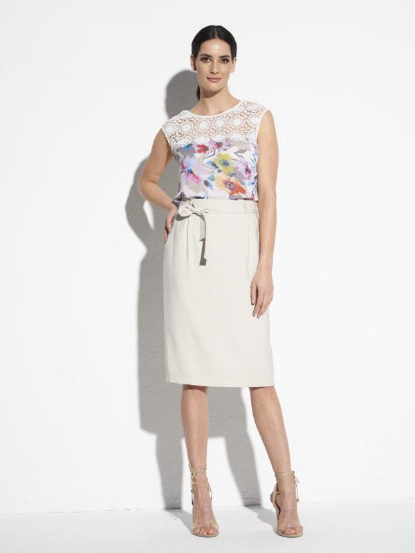 Beżowa klasyczna spódnica
