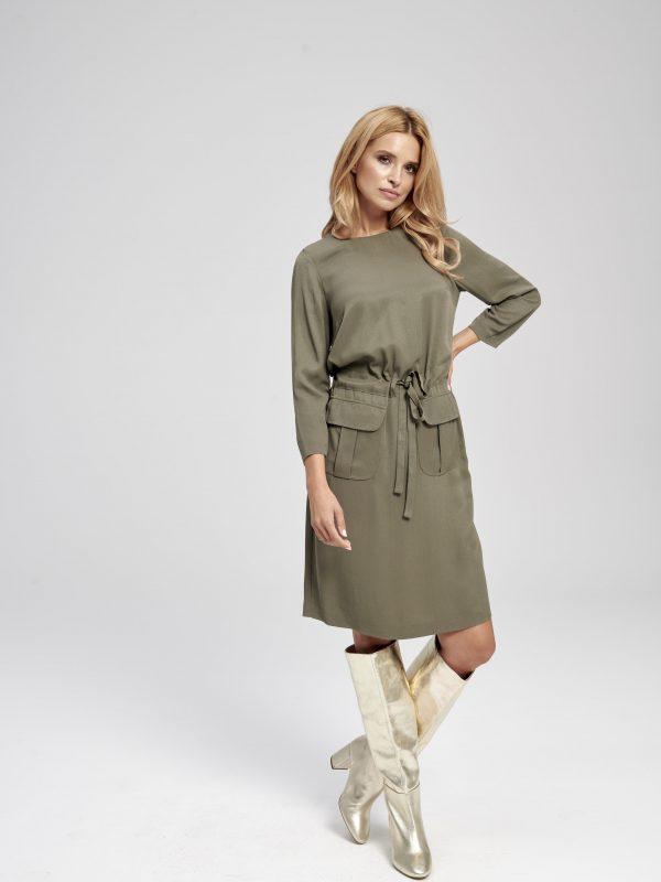 sukienka khaki elegancka z długim rękawem i kieszeniami