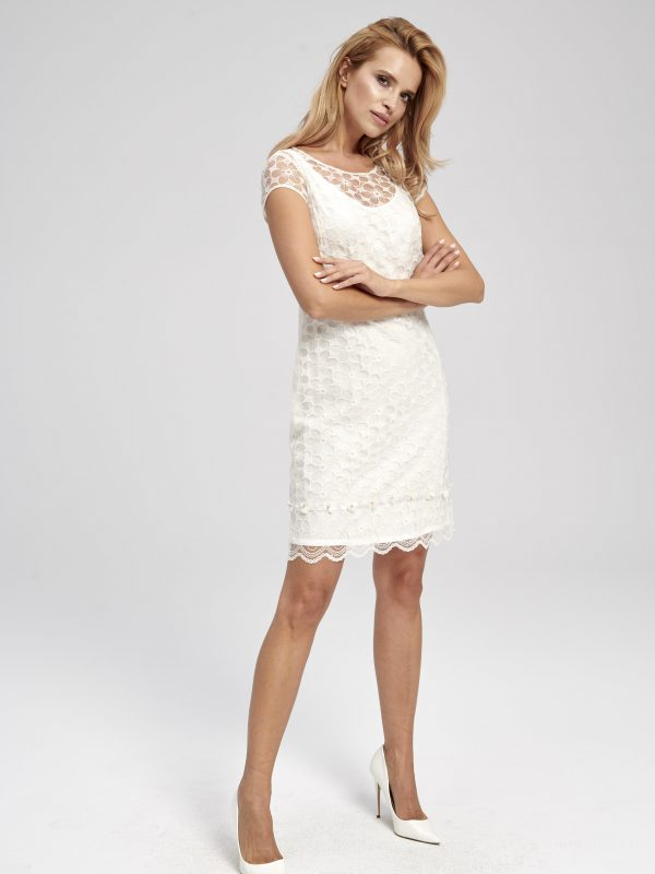 Biała koronkowa sukienka z krótkim rękawem na wesele