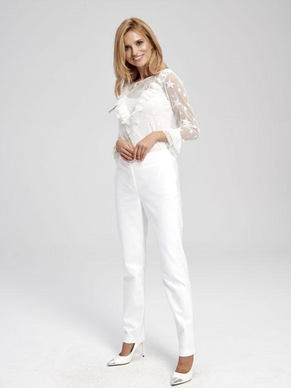 Eleganckie, białe spodnie materiałowe - cygaretki- z wysokim stanem