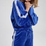 Bluza sportowa granatowa z cekinowym lampasem Lola
