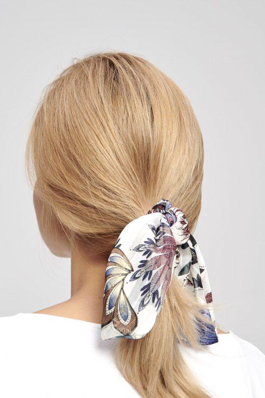 elegancka materiałowa gumka do włosów