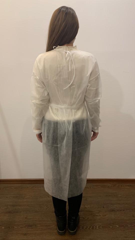 Biały fartuch jednorazowy