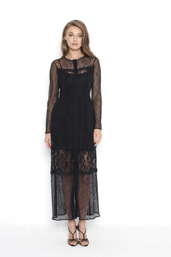 czarna koronkowa sukienka