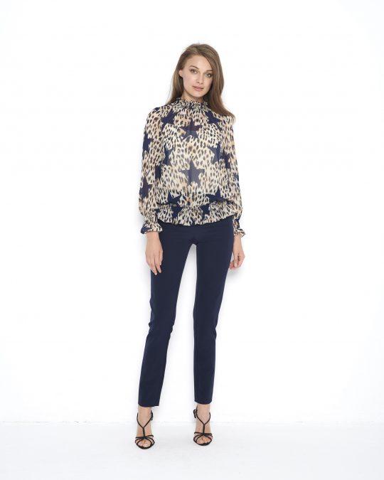 beżowa bluzka z nadrukiem